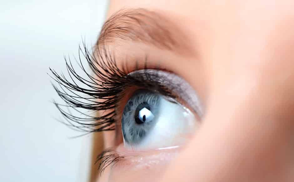 تصحیح-لیزر-عمل جراحی چشم-انواع آن-فواید و خطرات