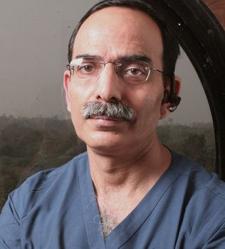 Dr Kuldeep Singh