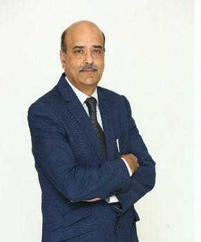 Doktor S Dinesh Nayak, nevrolog