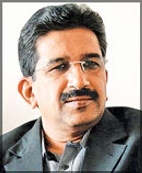 Dr. Soundappan V, neurocirujano