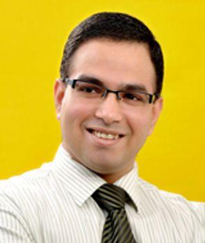 Dr Varun Dixit