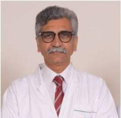 Dr Manoj Johar